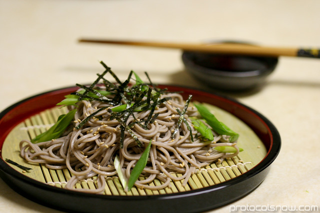 Soba noodles preparation scallions soy sauce mirin dashi